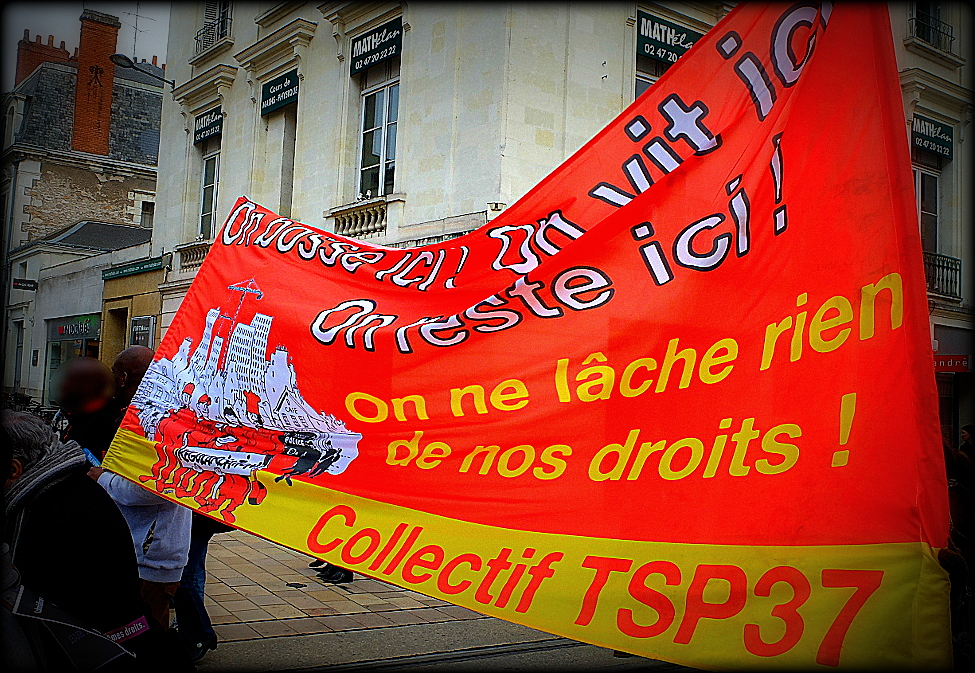 21 mars antiraciste à Tours : Banderole CTSP37 (Source Photo : La Rotative)