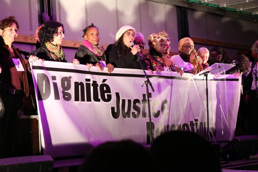 Photo Marche Dignité Prises de parole sur scène à Bastille